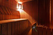 Сауны оздоровительно-развлекательного комплекса «Б-52»: Финская сауна с бассейном и комнатой отдыха