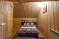 «Банечка» на дровах с прорубью в Гатном: Баня с Гималайской солью